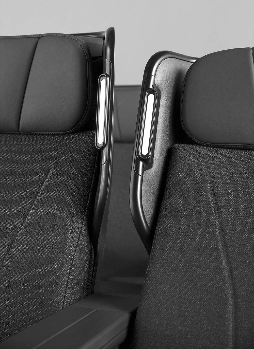 Caon_QF+Seats_0A8A7699_RT_DE_B+W.jpg