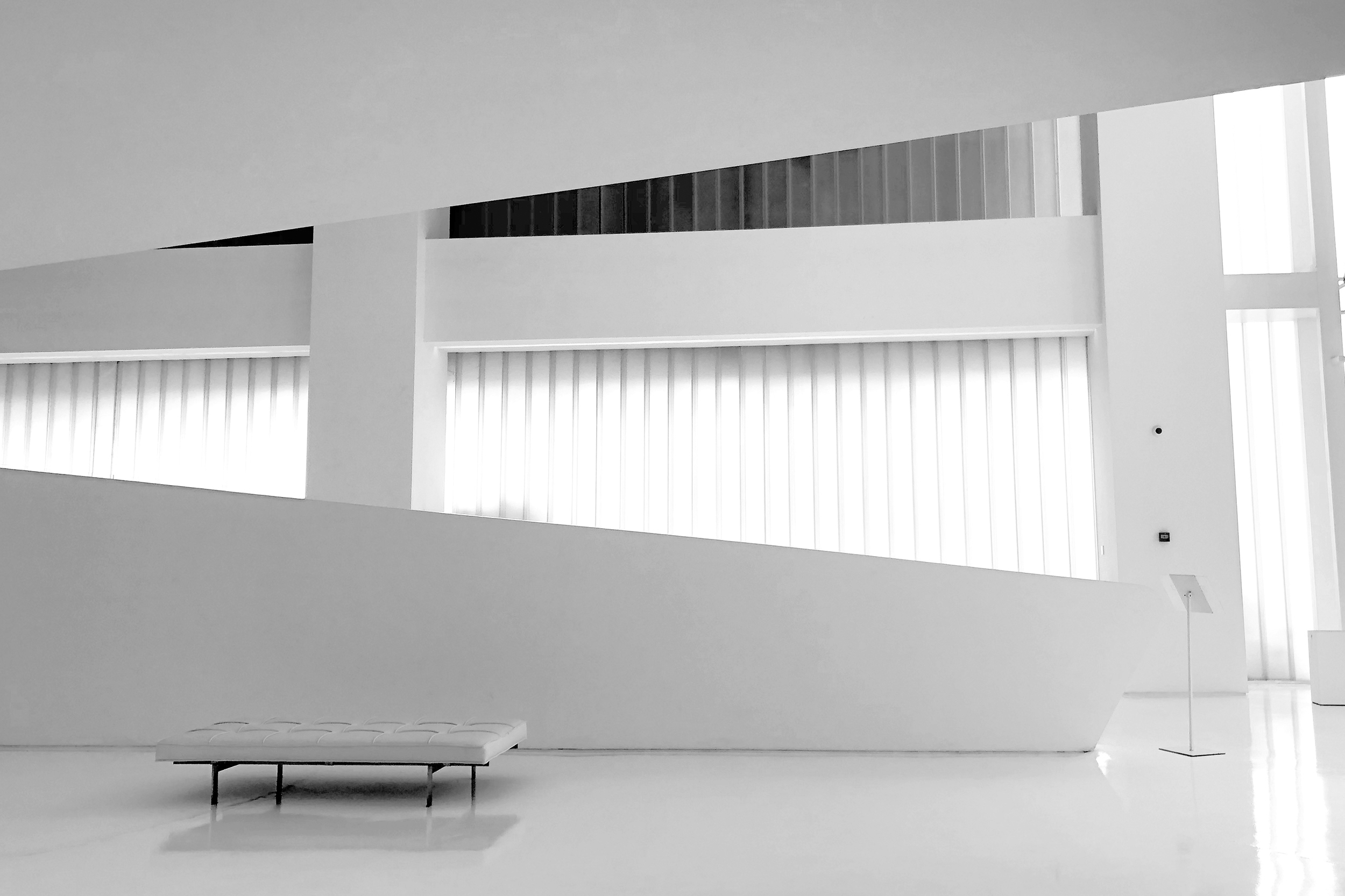 JuicyDesign-Projecthero-2500x1666-InteriorBranding-Blackswan-05 copy.jpg