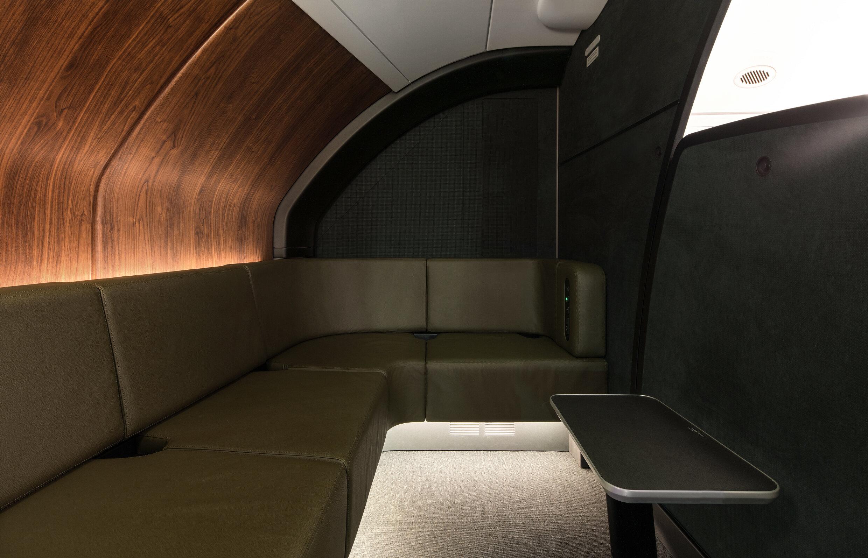 Qantas-A380-onboard-lounge-2 (1) RT.jpg