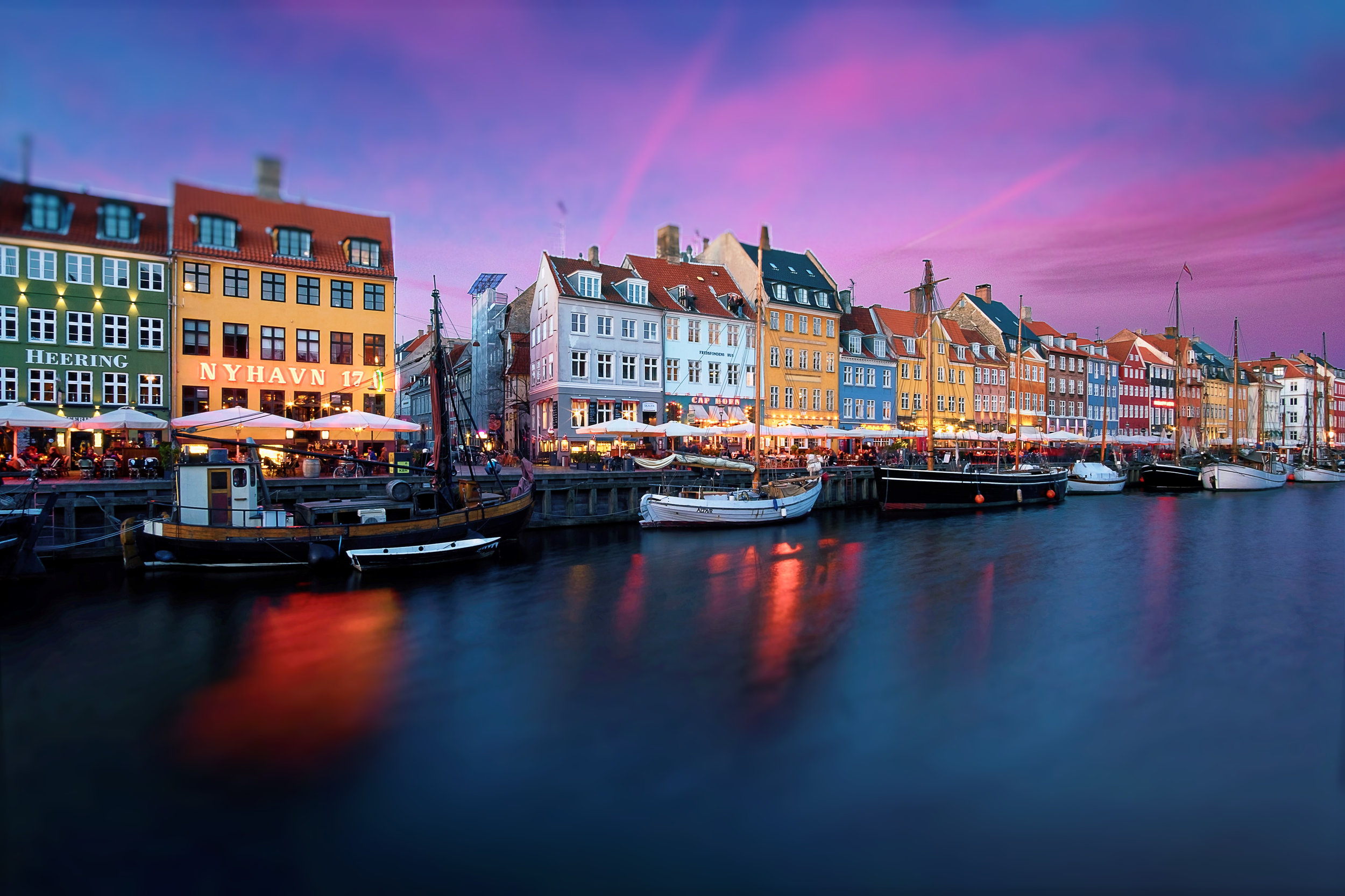 NYHAVN AT DUSK