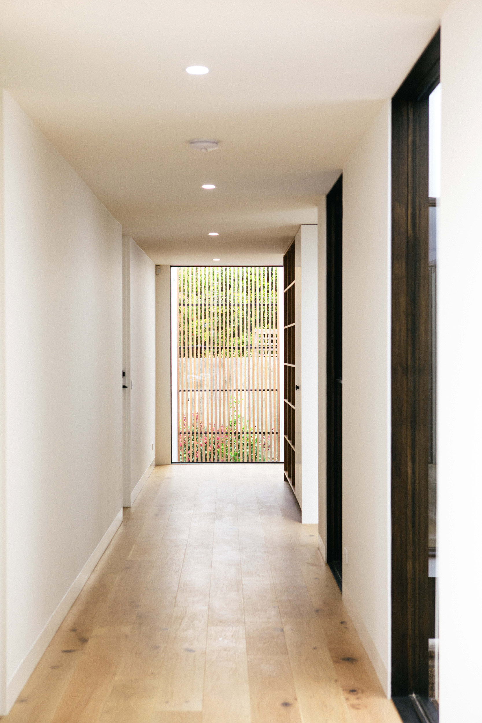 LIFESPACESGROUP_scandi_house_hallway2.jpg