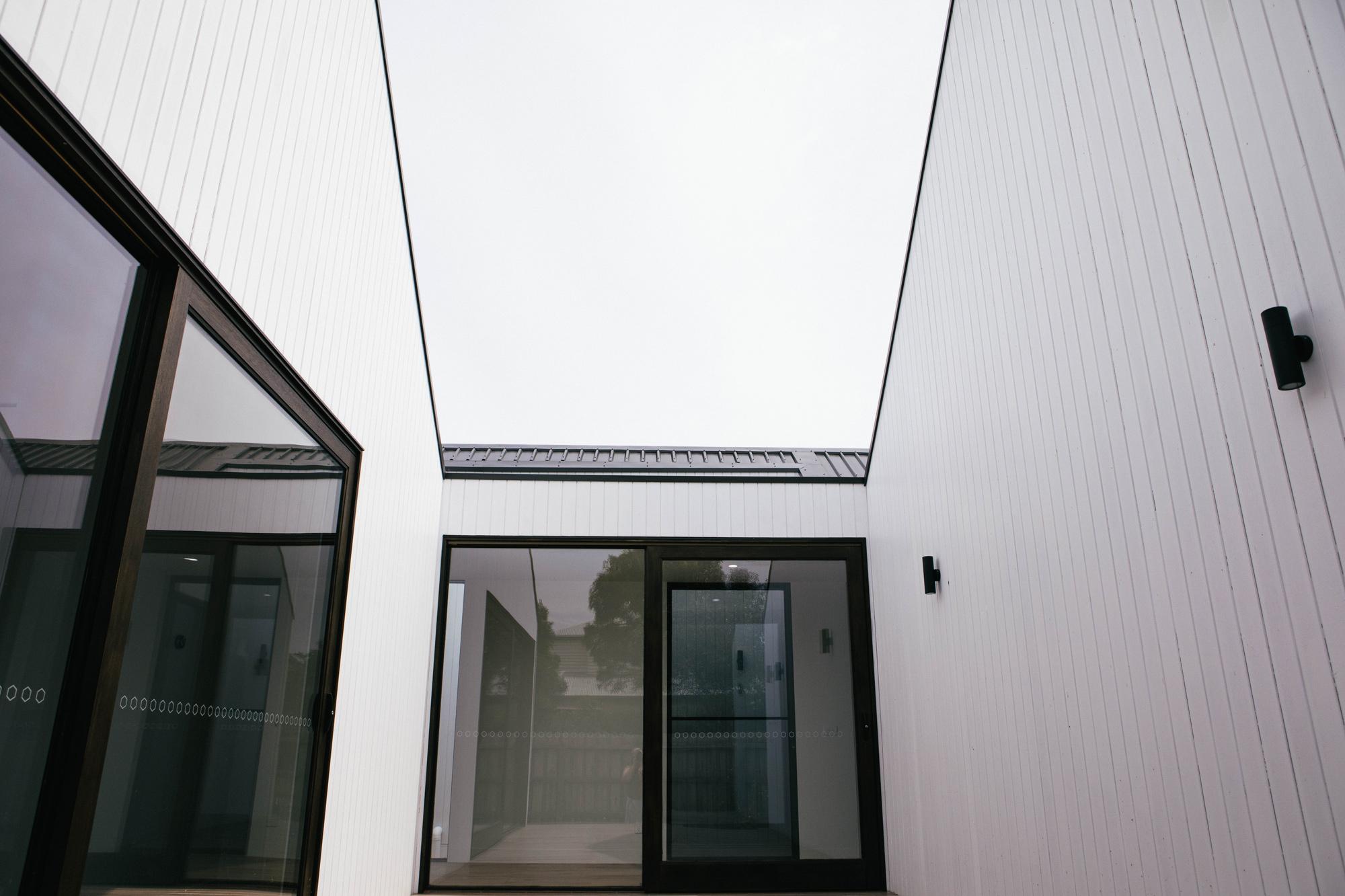 01_LIFESPACESGROUP_scandi_house_exterior.jpg