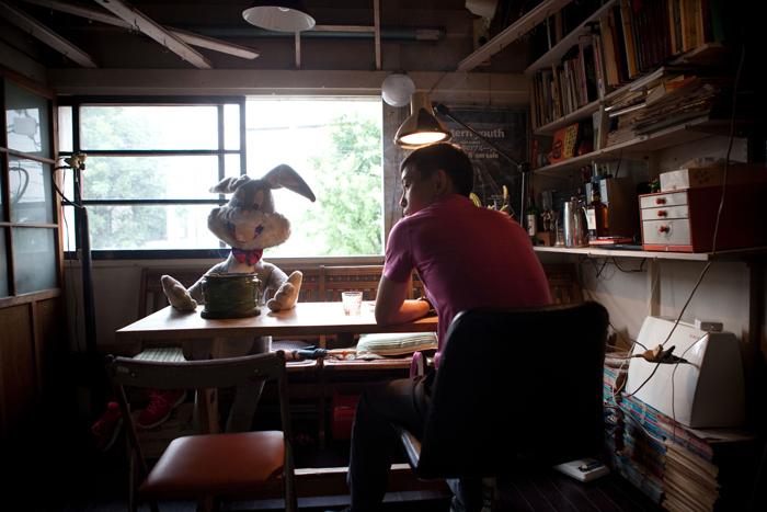 Yuki Hoshino :Photographer /Cinematographer /Film Director             星野有樹:写真家/撮影監督/映画作家                                     Photo : Ichii Ryo