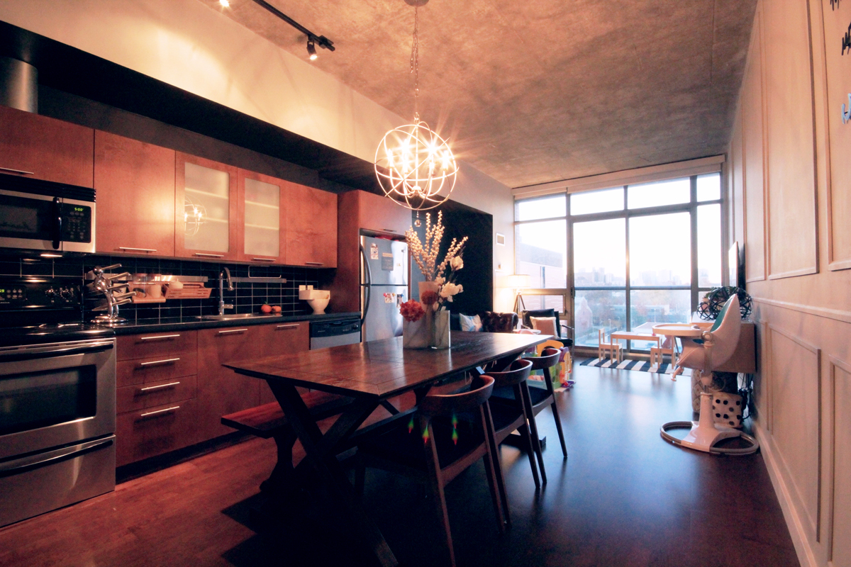 33 Mill Street 504 - 01 - Living and Dining Rooms.jpg