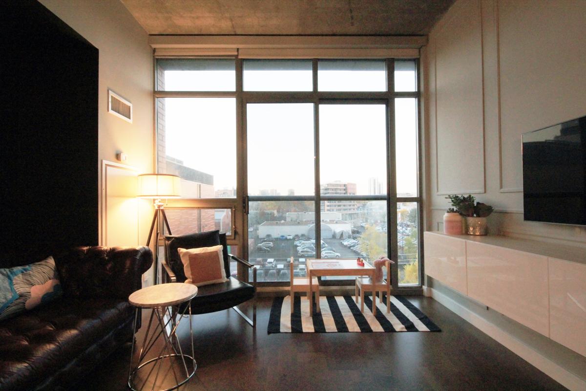 33 Mill Street 504 - 02 - Living Room.jpg
