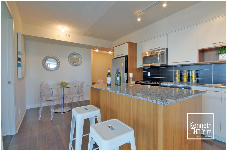 06 Kitchen 1.jpg
