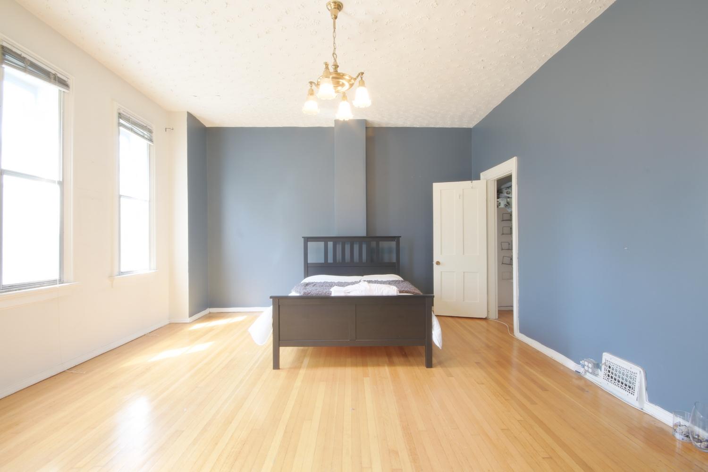 102 Upstairs Master Bedroom 1.jpg