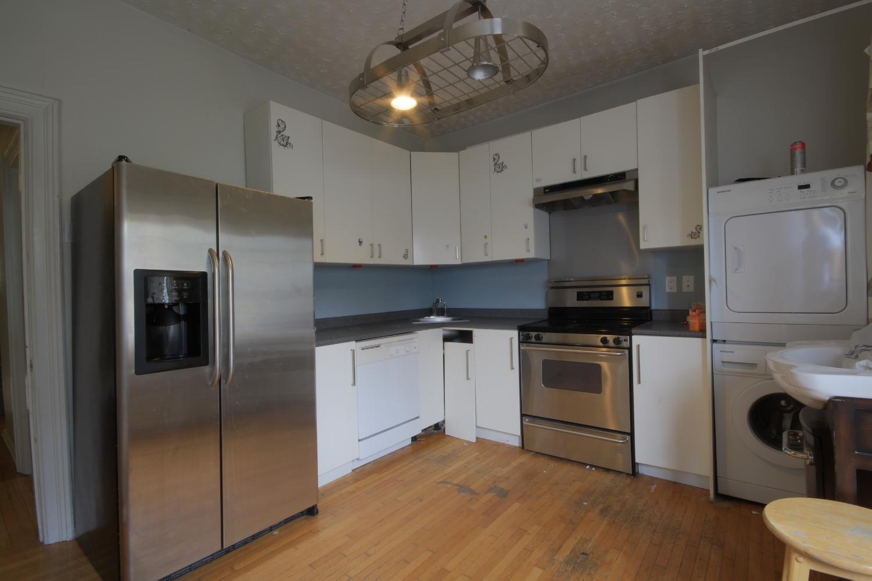 104 Upstairs Kitchen.jpg