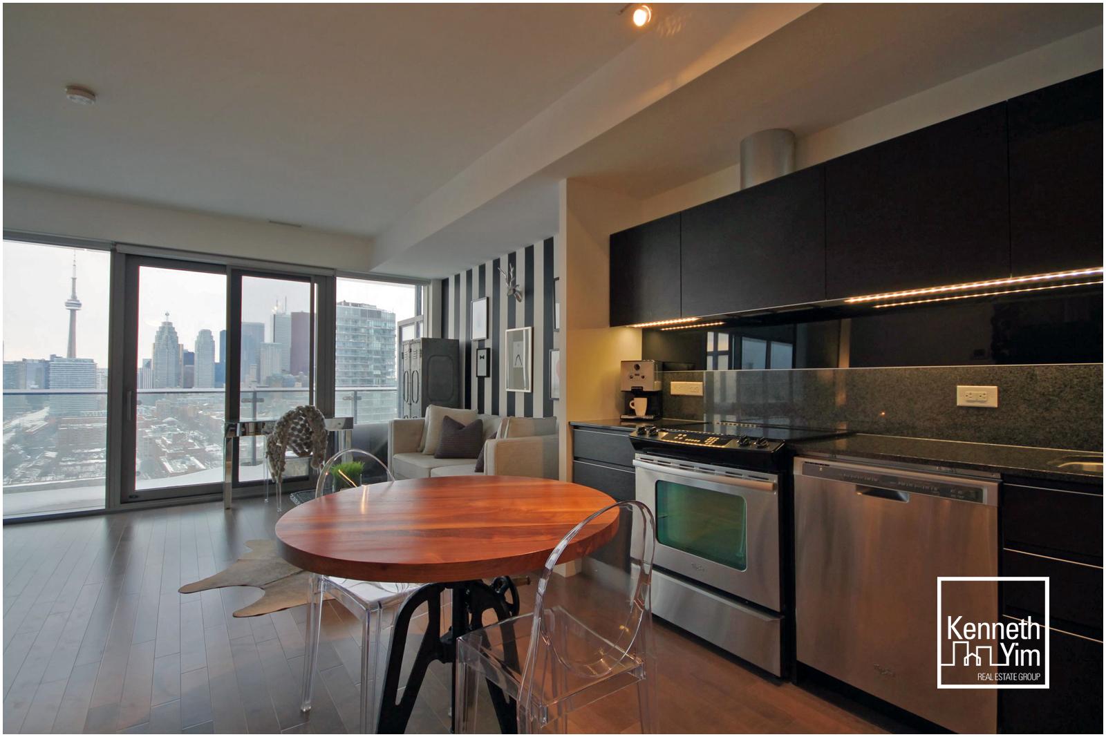 06 - Kitchen.jpg