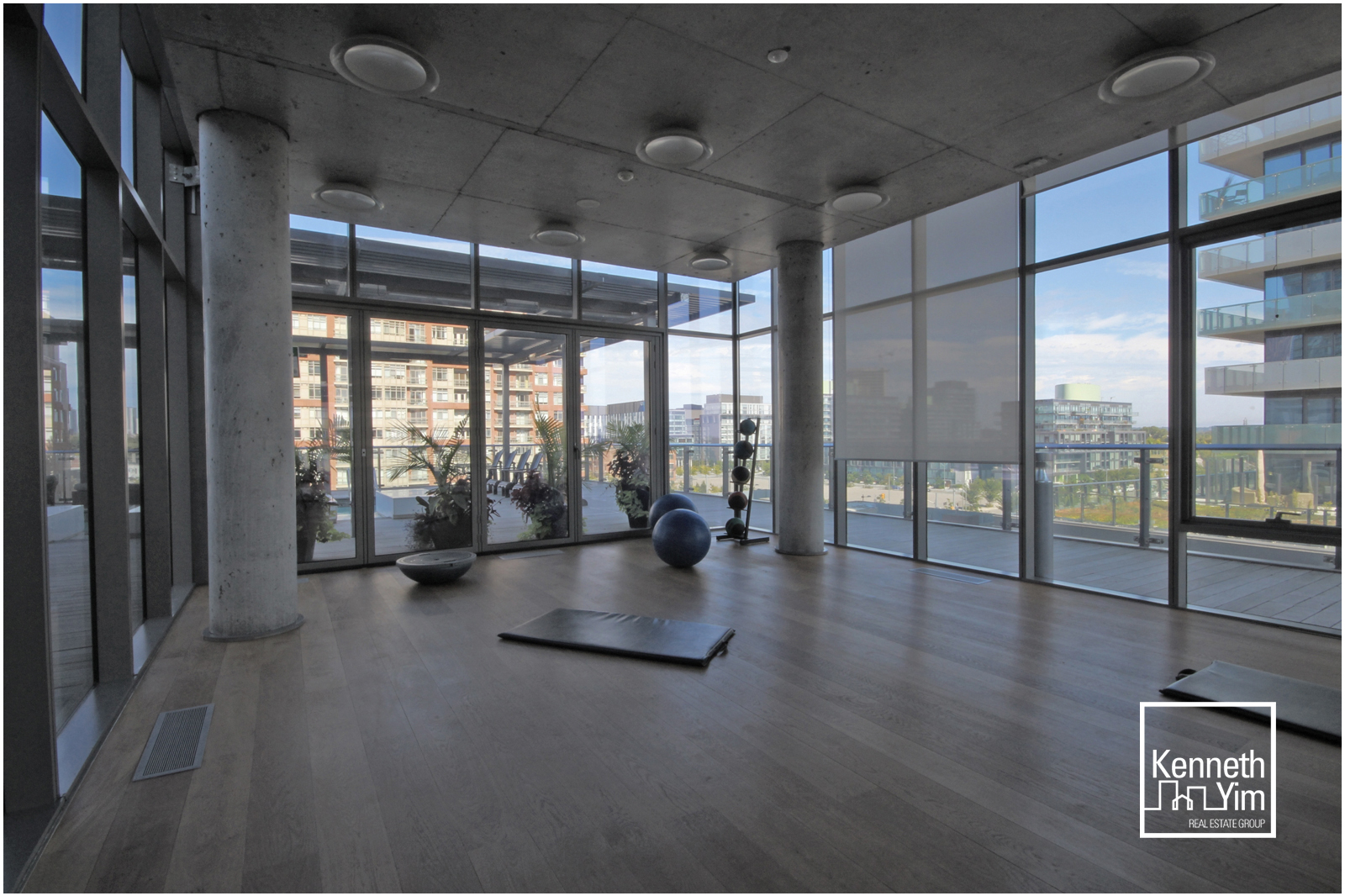 13 - Yoga Studio.jpg