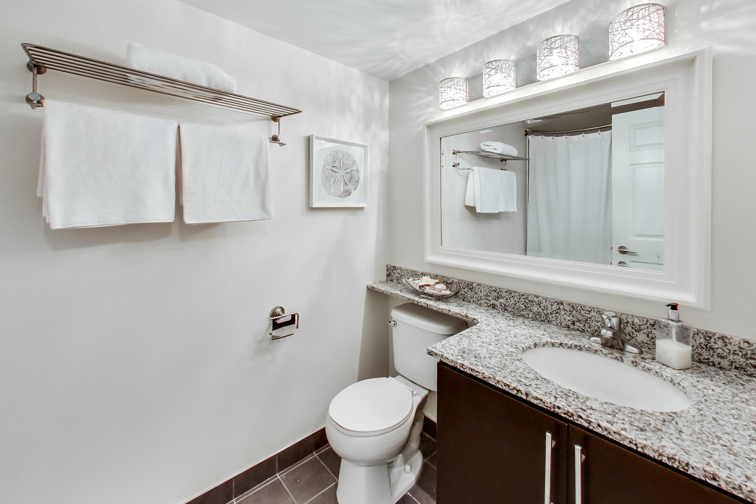11. Bathroom 2.jpg