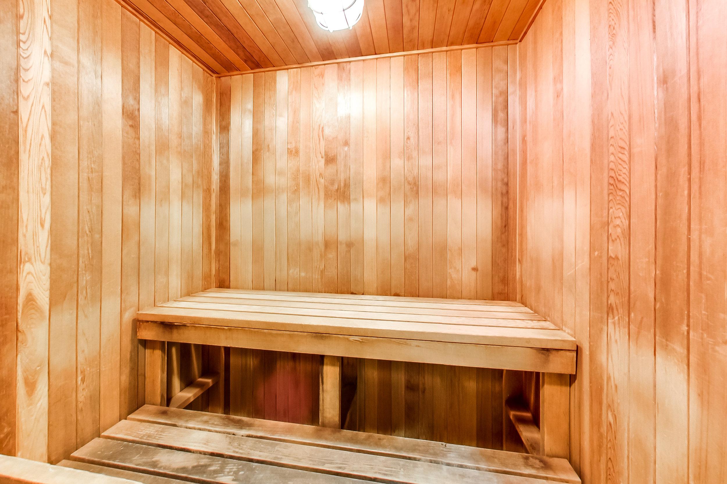 17. Sauna.jpg