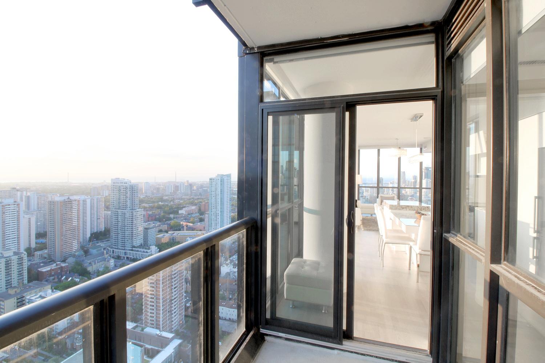 12. Balcony.jpg