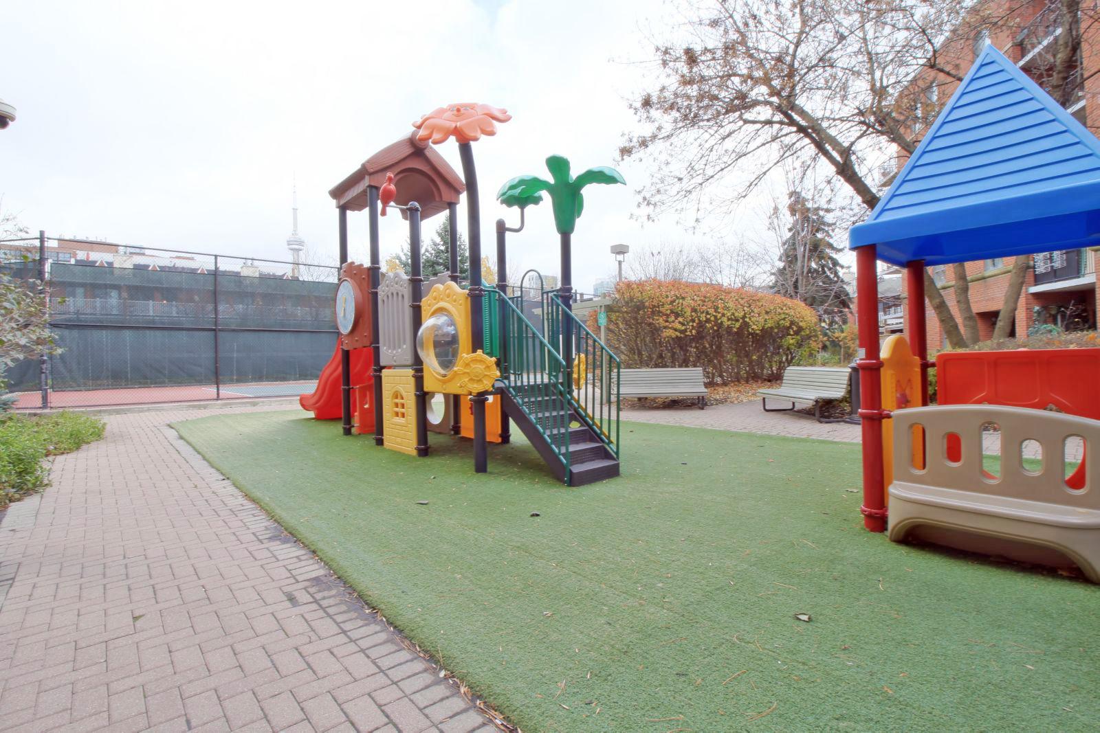 09 - Outdoor - Playground 3.jpg