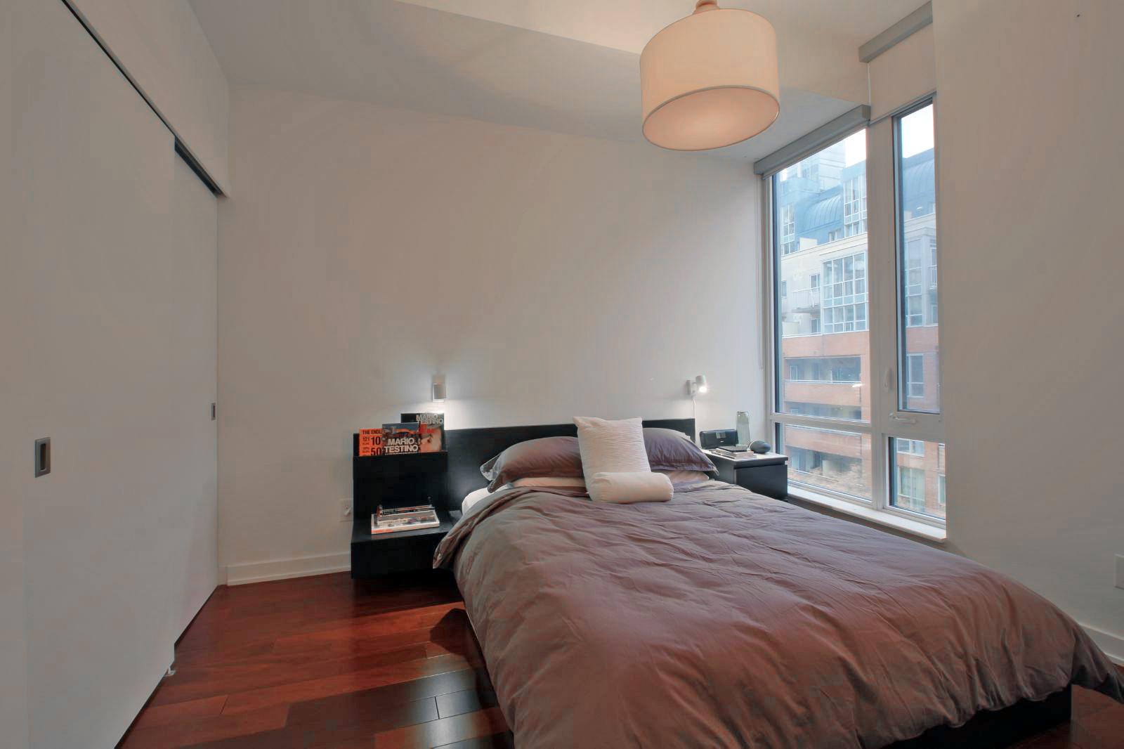 09 - Bedroom.jpg