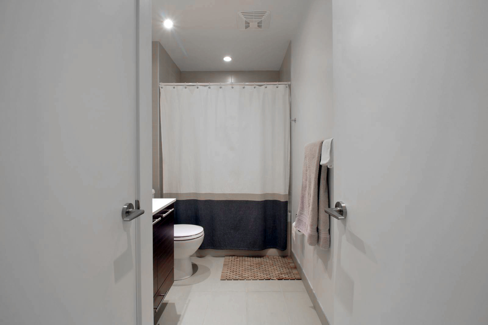 10 - Bathroom 1.jpg