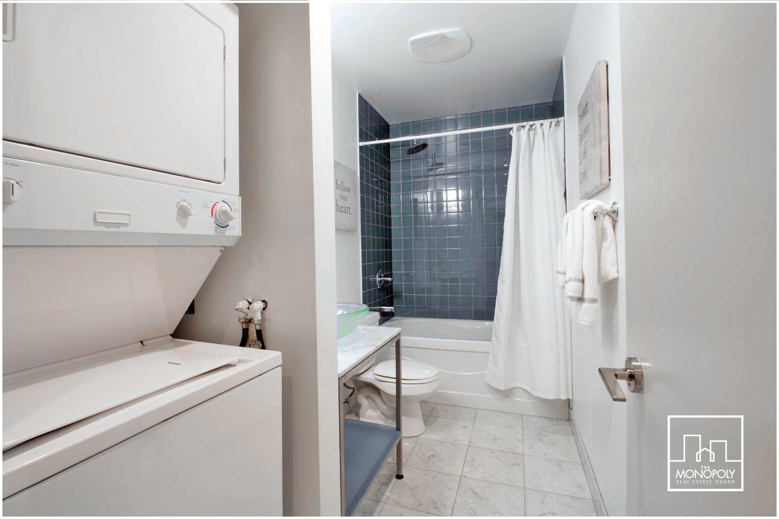 06 - Bathroom.jpg