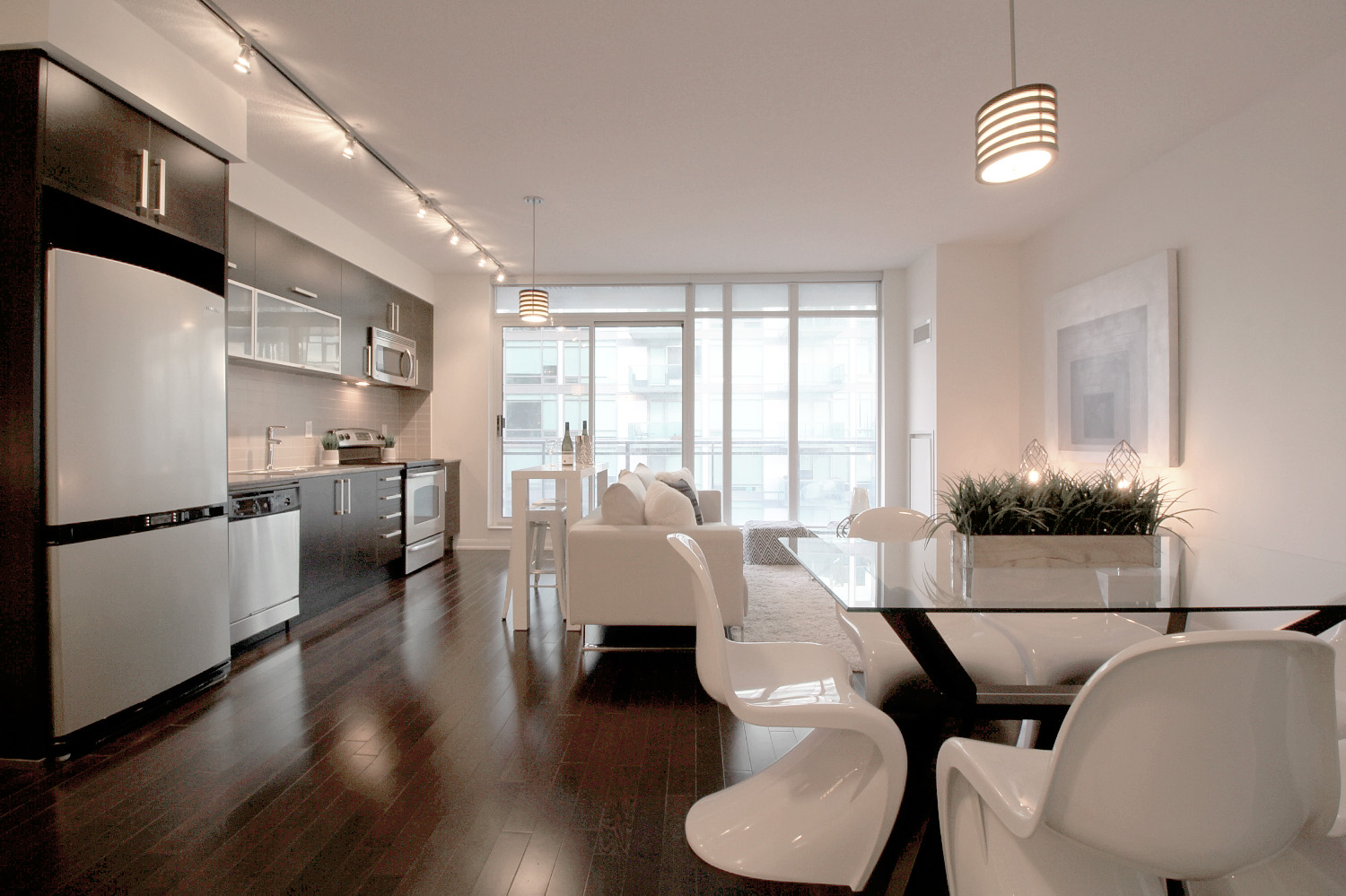 03 - Kitchen and Dining.jpg