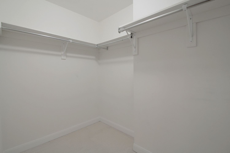 12 - Walk In Closet.jpg