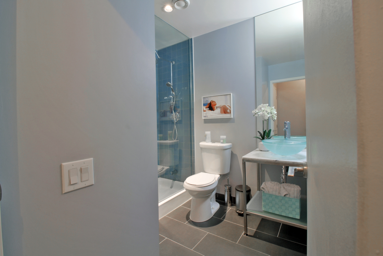10 Bathroom Second.jpg