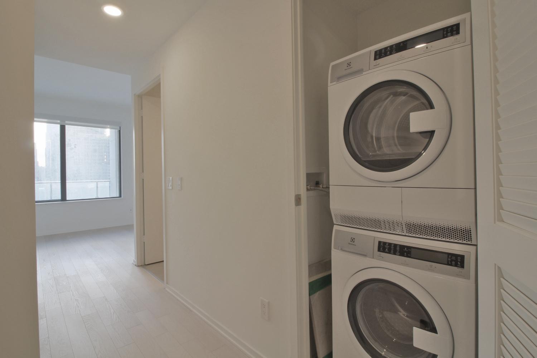 12 Bonnycastle Street 727 - 10 Laundry.jpg