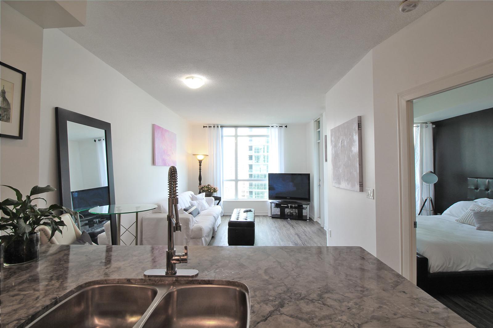 01 - Living Room 3.jpg