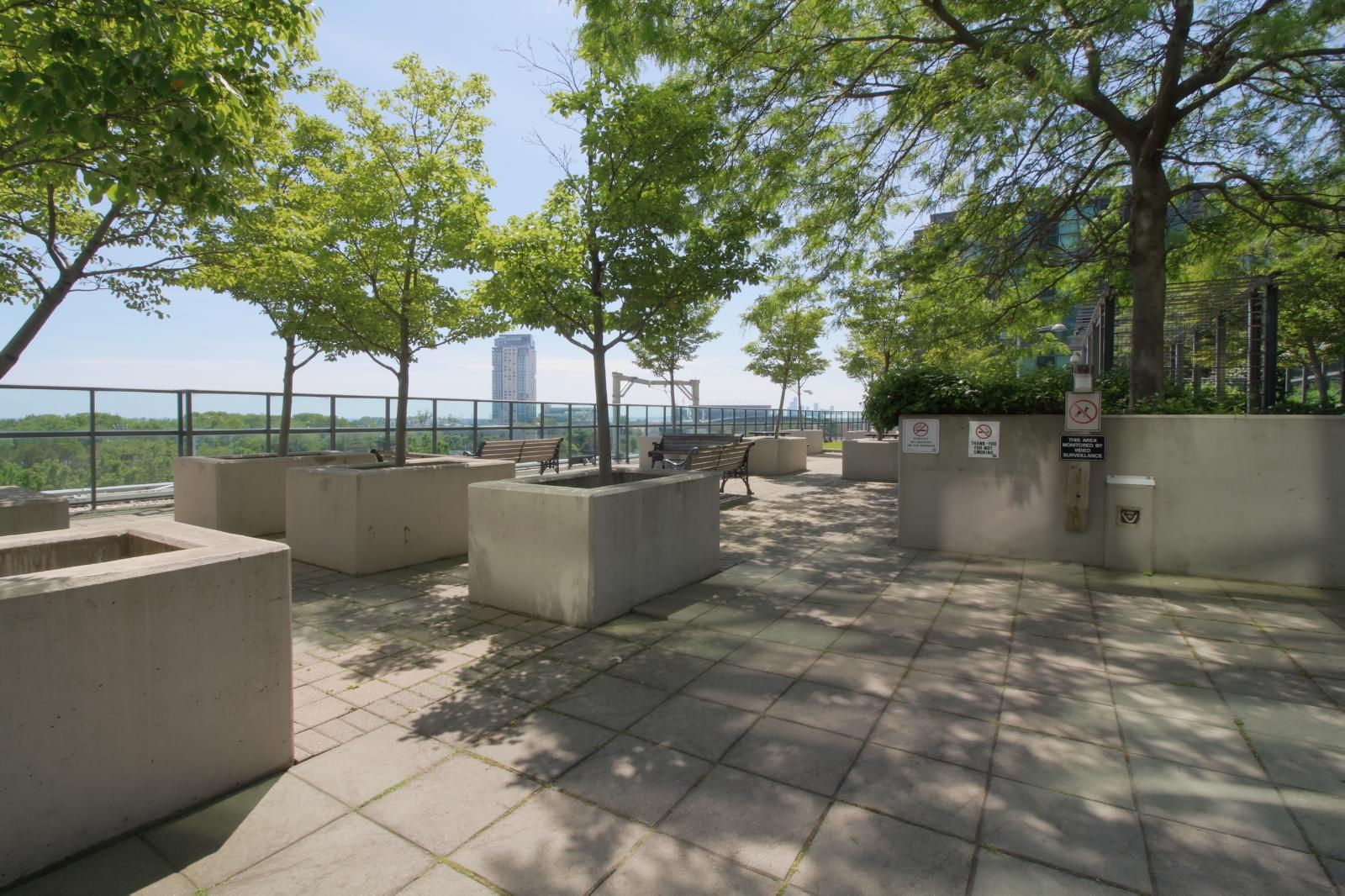 14 - Amenities - Terrace 1.jpg