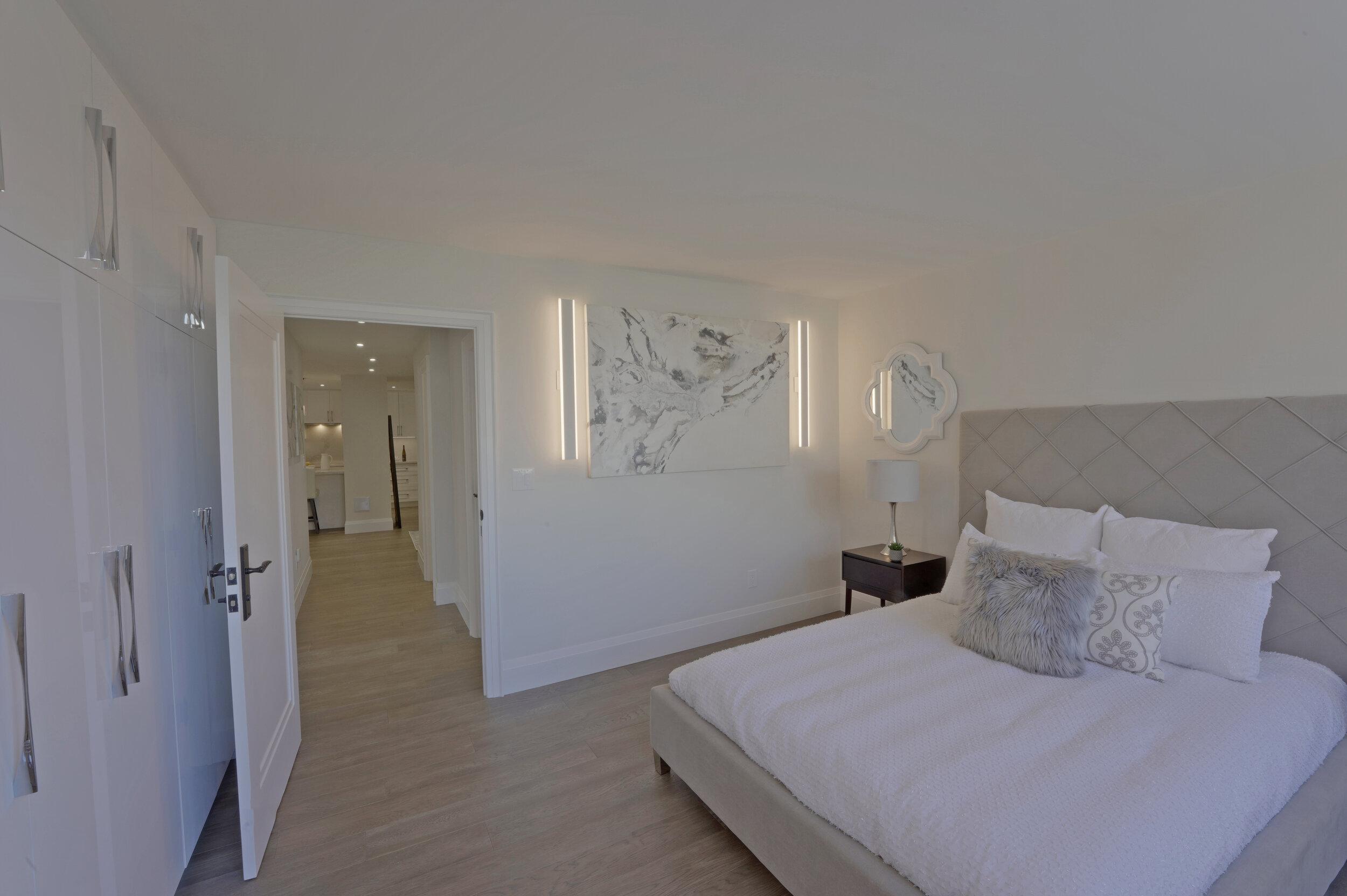 16 - Second Bedroom 3 - DSC00532_3_4_5_6.jpg