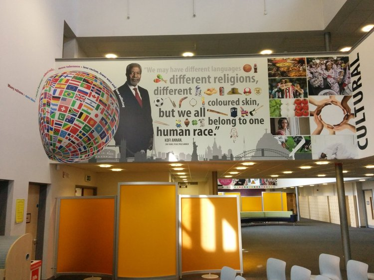 Academy 360 English wall wrap
