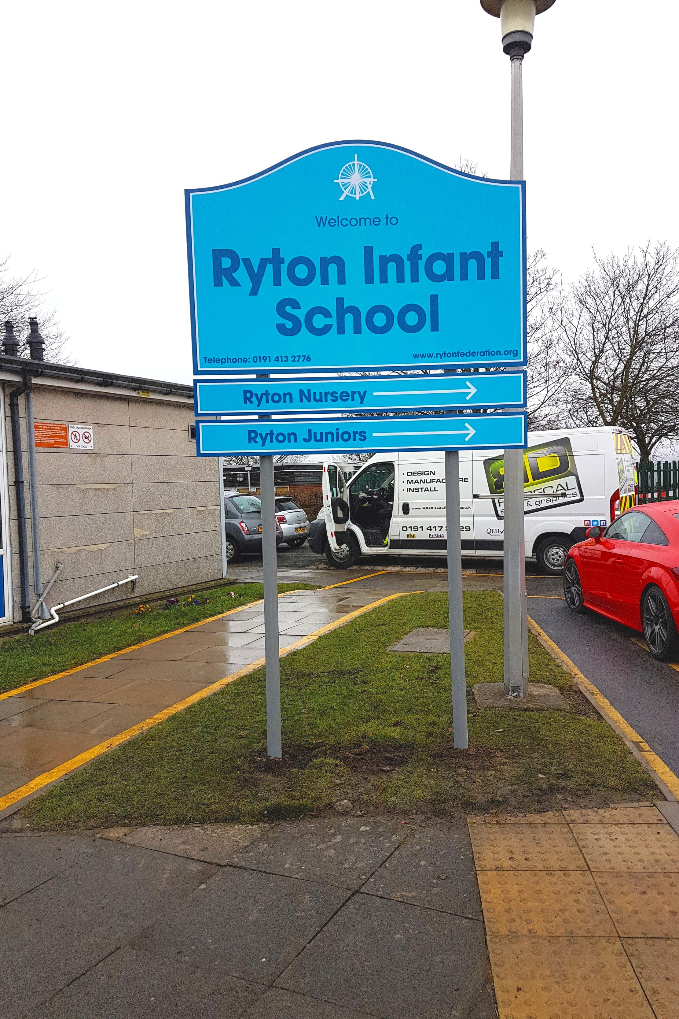 Ryton Infant Federation Post Sign
