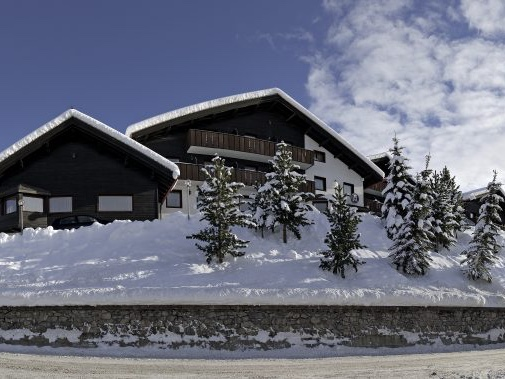 BHXto Innsbruck (via Frankfurt)   Flight time : 3h 40 (  Inghams  )  Stay at :  Hotel Alexander  , Livigno  Ideal for : Less experienced skiers. Reliable snow andbeginner's slopes. Shout out tothe saltwater lagoon