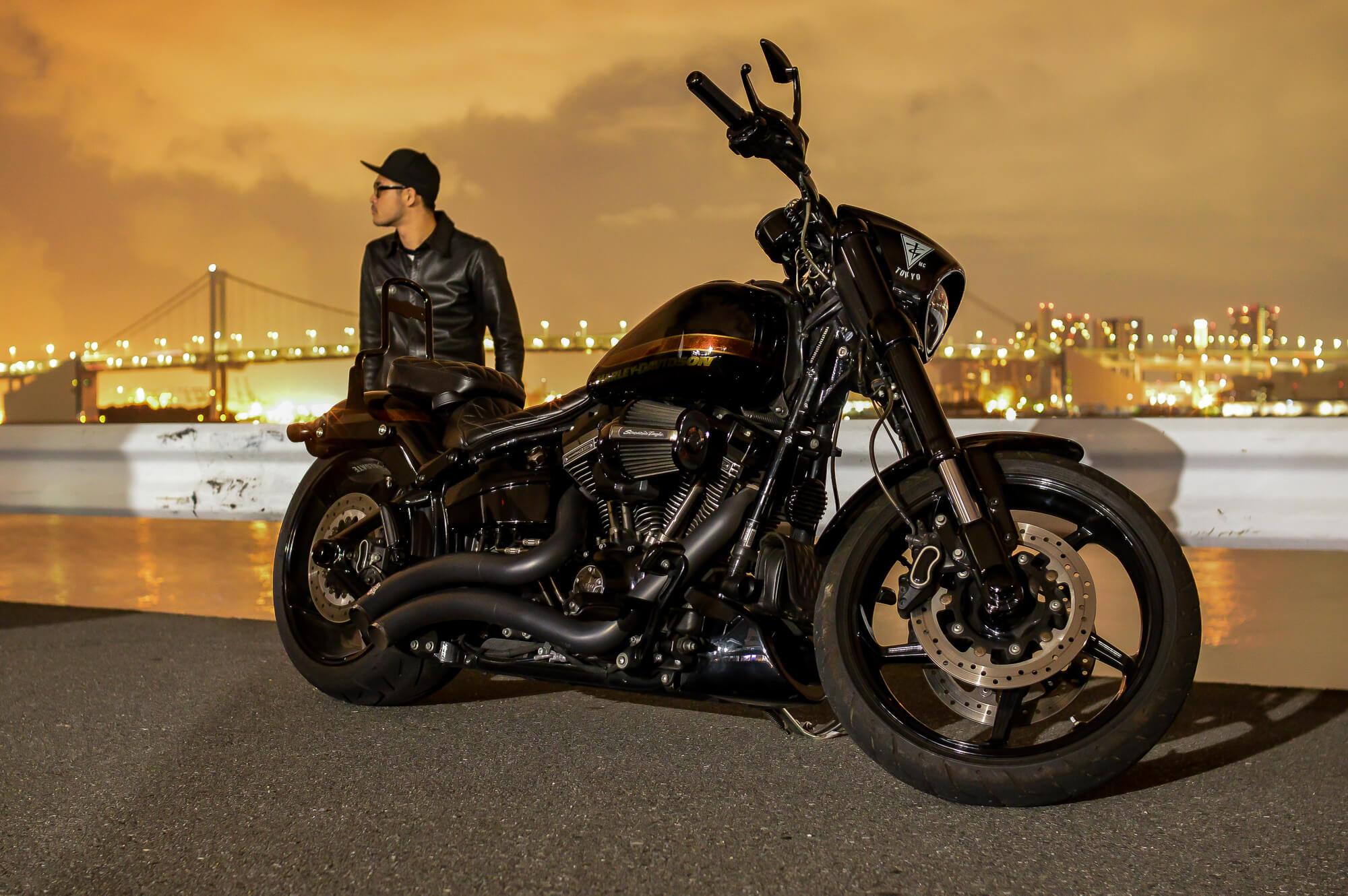 時には愛車と街を走り、自分と向き合う時間も大事にしている(Harley-Davidson FXSB Breakout)