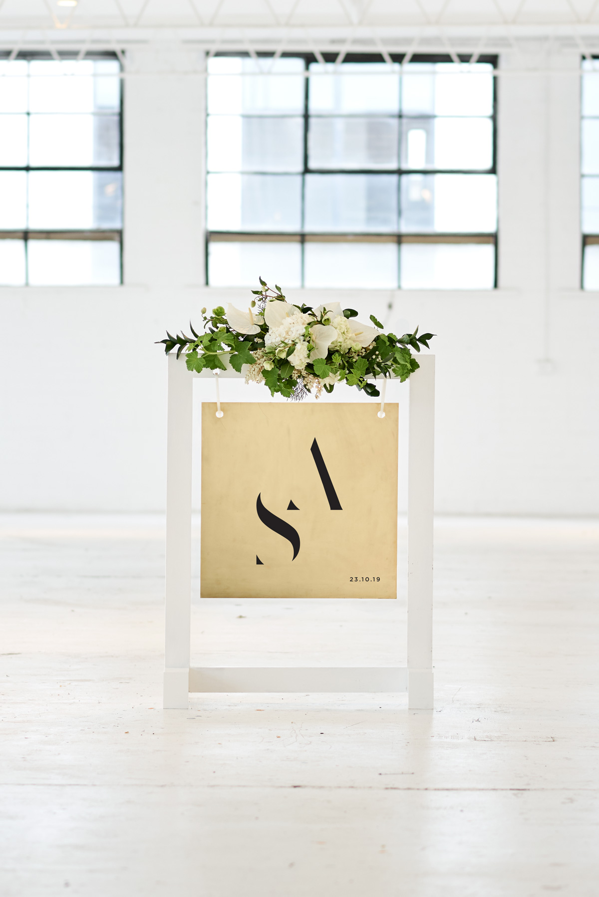 Welcome Sign - Gold w Black