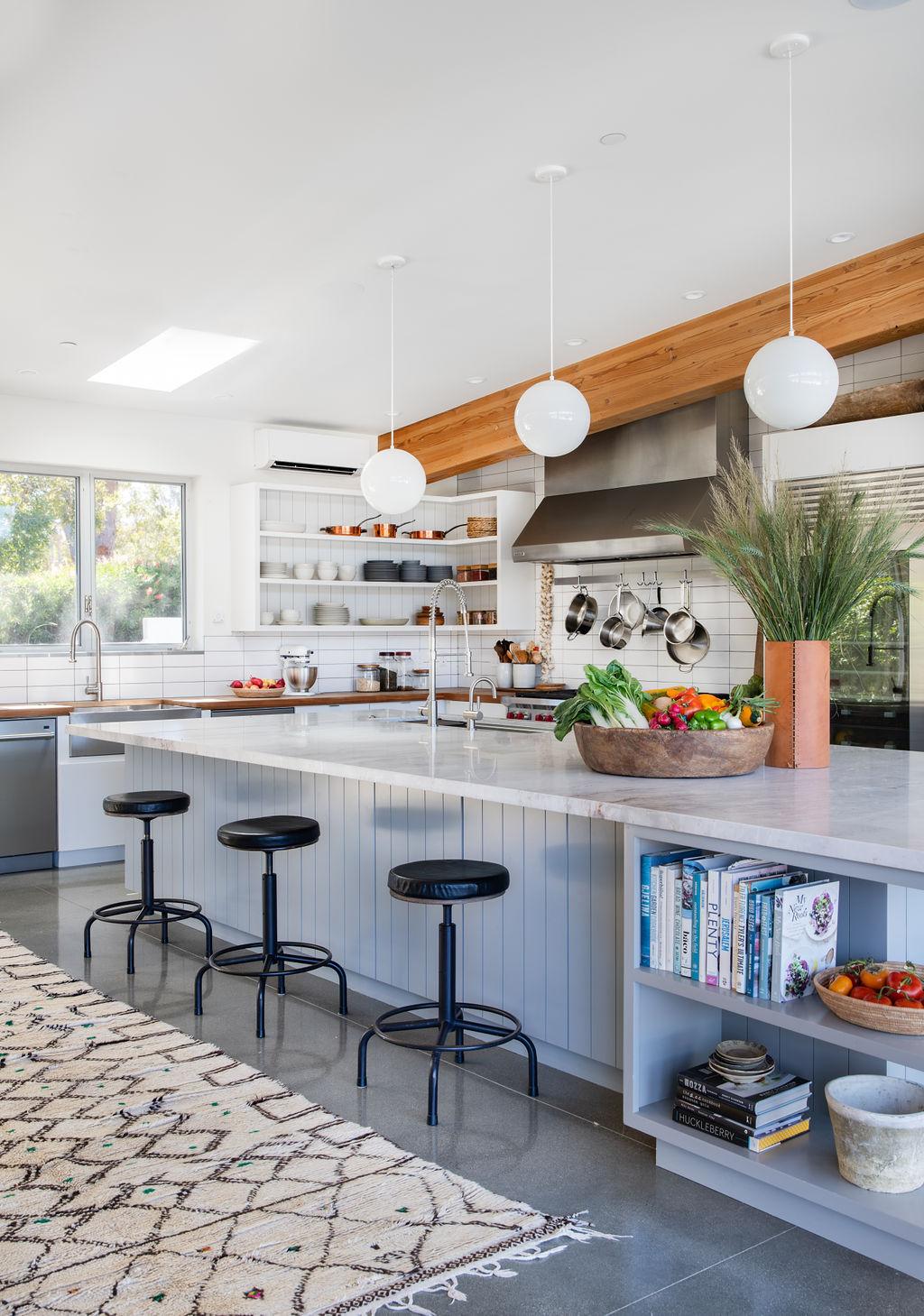 Malibu Modern Farmhouse by Burdge & Associates Architects in Malibu, California.  #home #architecture #house #homeinspo #homedesign #kitchen #kitcheninspo #kitchenisland