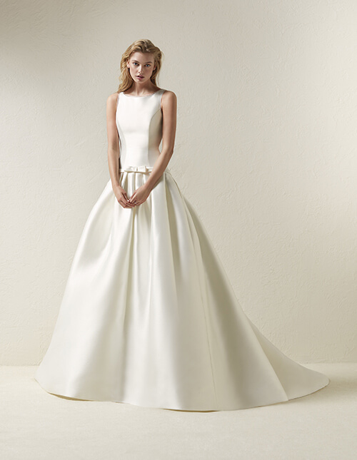 Pronovias Dradine Wedding Dress