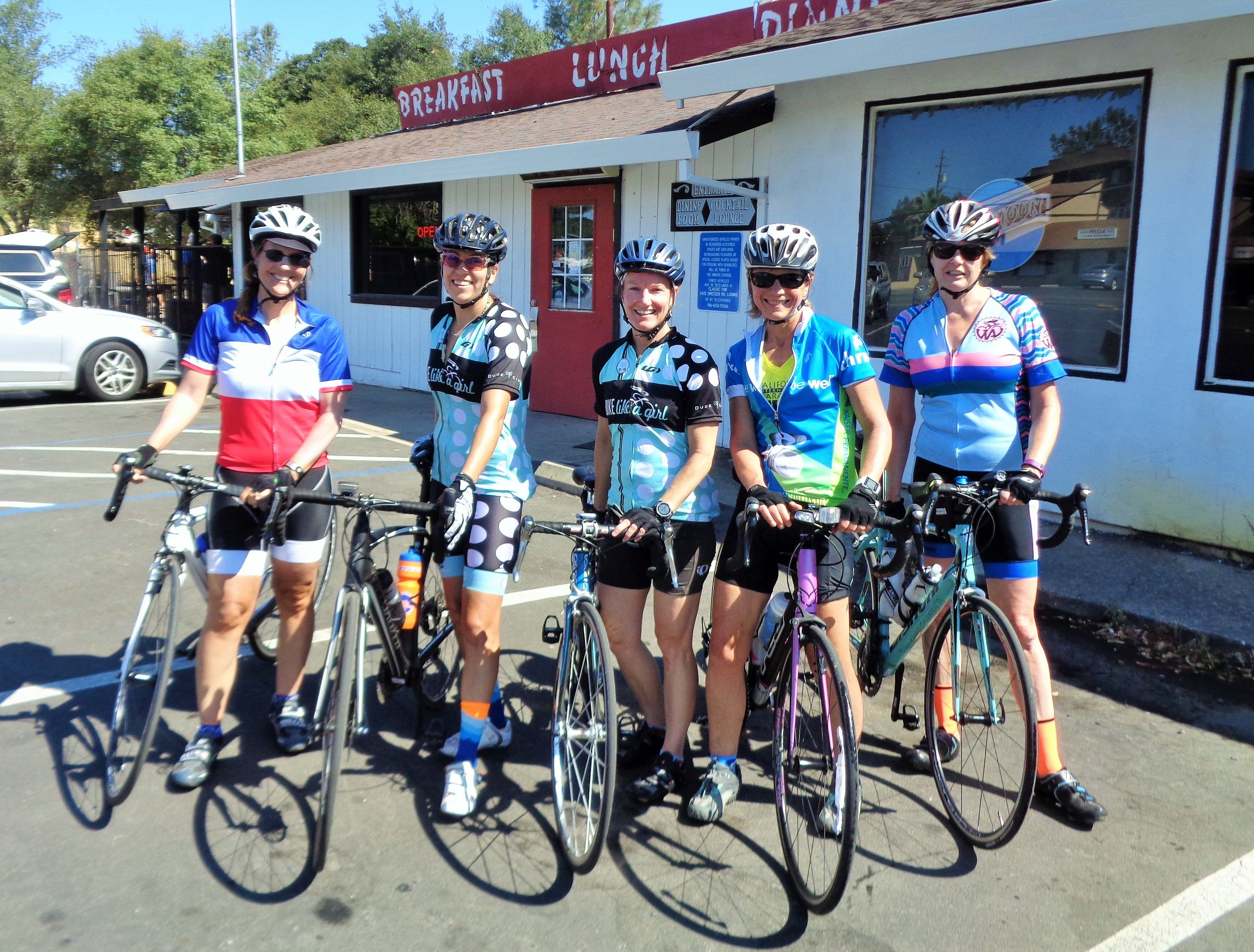 The 38-mile group enjoys a mid-ride break.