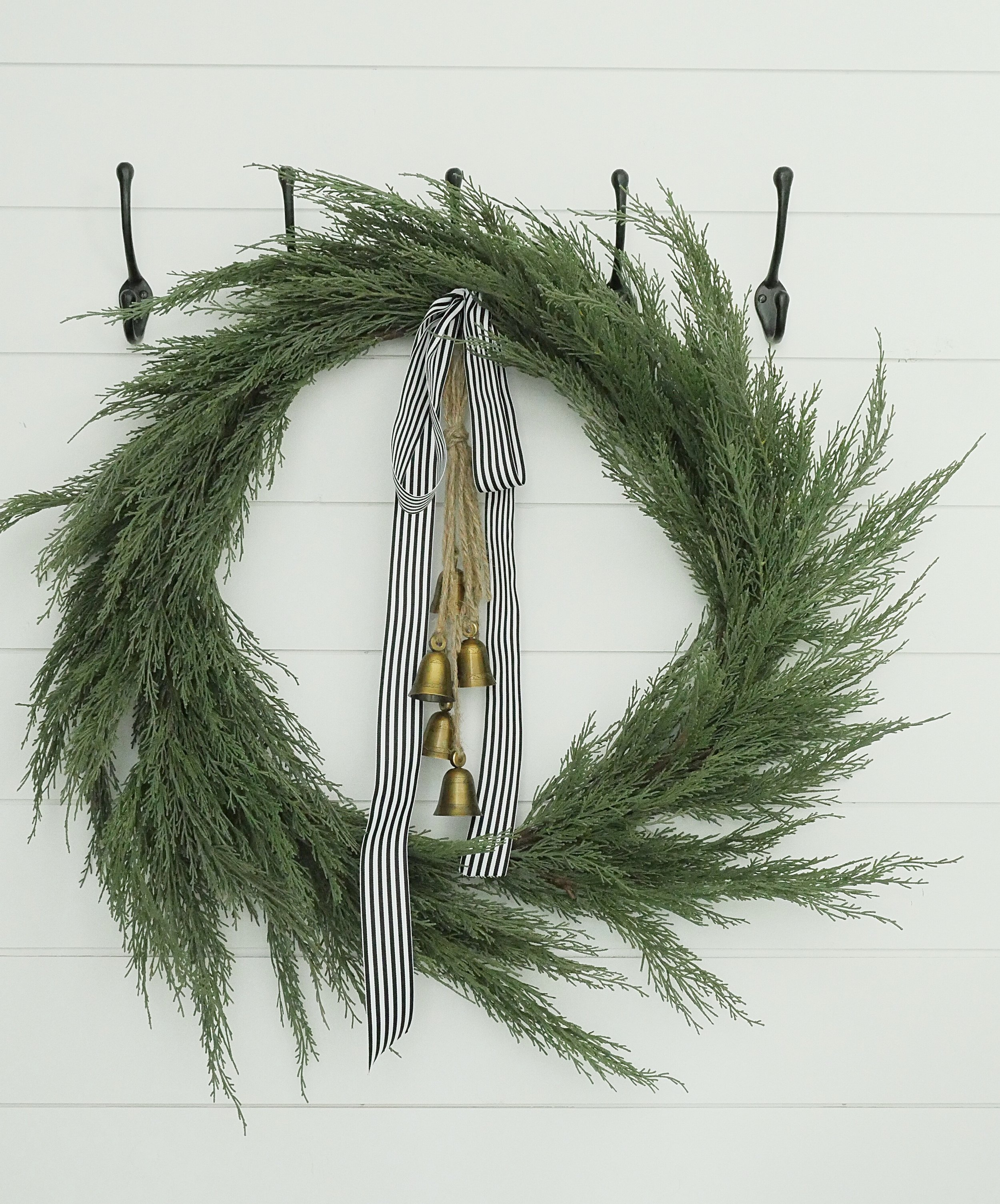 Jen Gilday Interiors - Simple Christmas Wreath