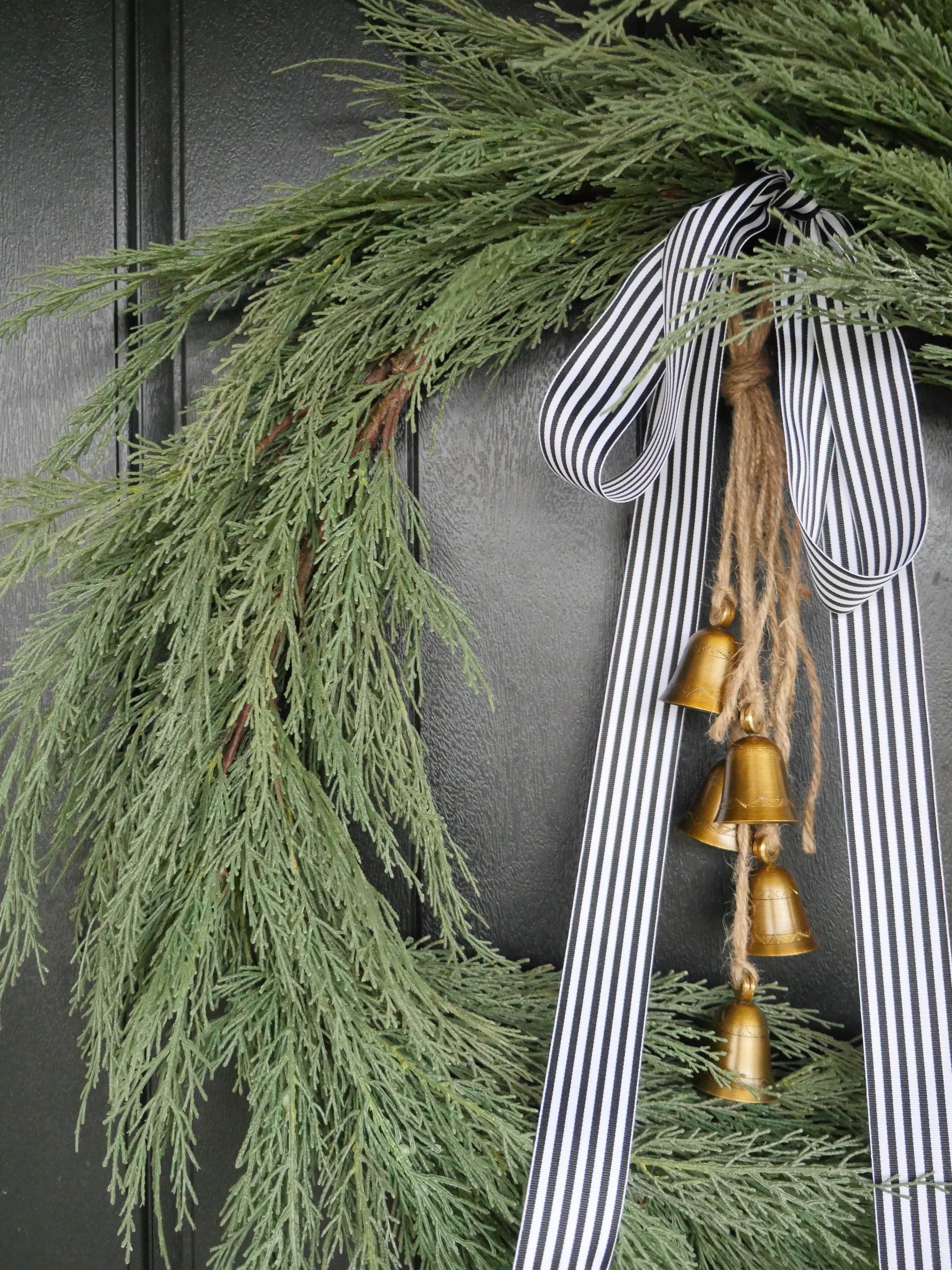 Jen Gilday Interiors - The Simple Wreath with bells and ribbon
