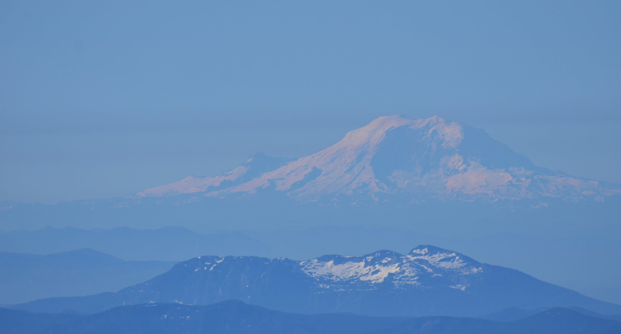Mt. Rainier (emmons-winthrop side) from Mt. Baker Summit