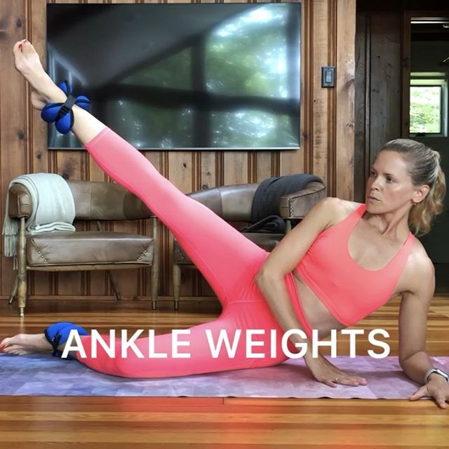 Ankle weight workout 🙌🏻I've had these puppies for years and love breaking them out for a lower body burn 🔥 Crazy what a couple of pounds can do! #ankleweights #lowerbodyworkout #athomeworkout #fitmomsofig . 💪🏻Try each move for 12 (slow) reps, rest for 20 seconds and go for 4 rounds! . 💫TIP: Keep your ankle off the ground!  If you hover rather than drop or connect your knee to something - you're forcing yourself to stabilize with your core and use your lower body in a deeper way! . ✅Always consult your doctor before starting a new exercise program, especially when pregnant. . . . . . . . . . . . . . . . . .  #makeitworkmomma  #postpartumworkout  #fithealthyworkouts #postpartumfitness #homeworkouts_4u #homeexercises #girlyexercises #fitnessforall #igfitmoms #befitvideos  #gununegzersizi #sixpackfemmes #homesquat #squatguide #womenshealth #athomeworkouts  #WHStrong #dailyworkout