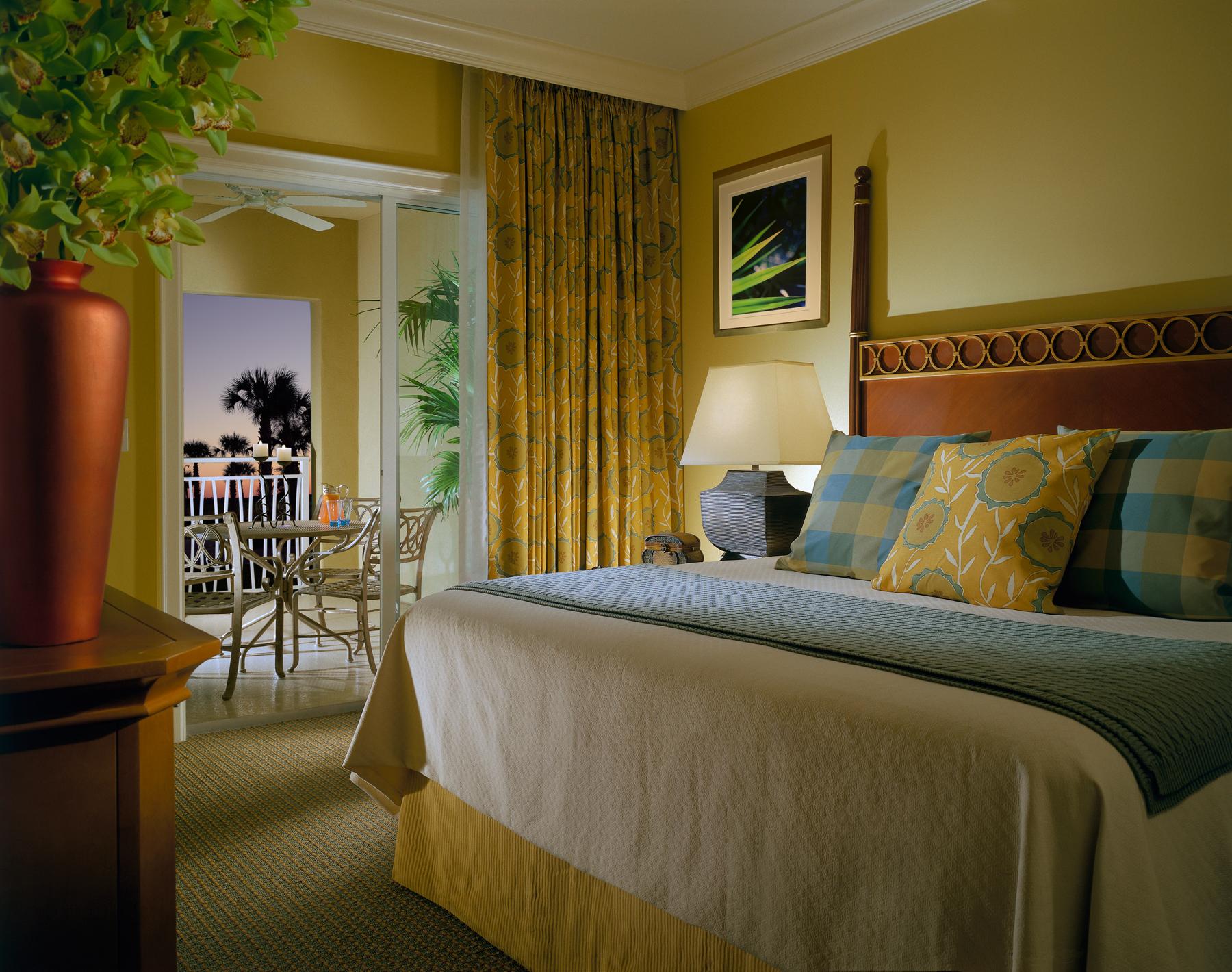 Villa Master Bed.jpg