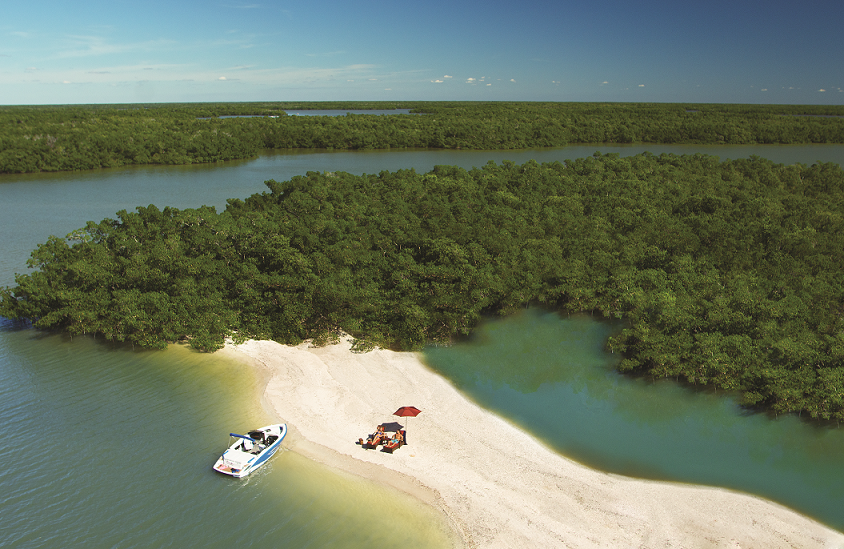 10 Thousand Islands Aerial Beach small.png