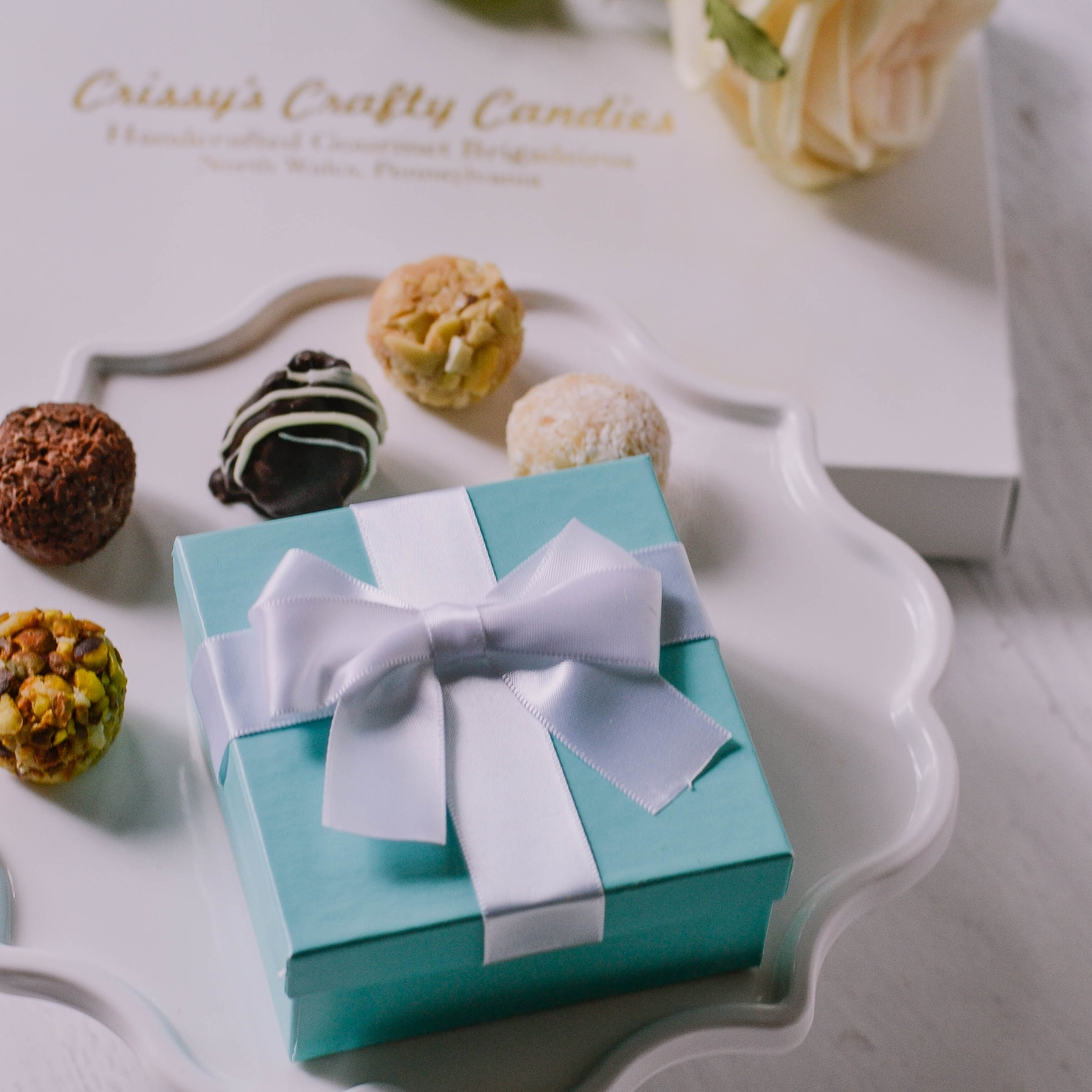 BREAKFAST AT TIFFANY'S PARTY THEME - ONE PIECES AND TWO PIECES FAVOR BOXES
