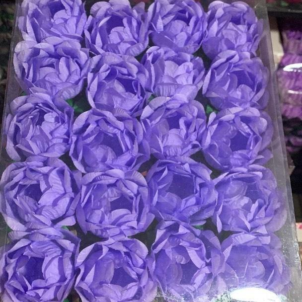 #purple #lavender #paperflowers #trufflewrappers #cakepopsofinstagram #cakepopmolds #cakepopstands #brigadeiros #forminhasparadoces #forminhaspersonalizadas #forminhasdedoces #forminhasdeluxo #forminhasartesanais #forminhasdebombom #forminhasdedoce