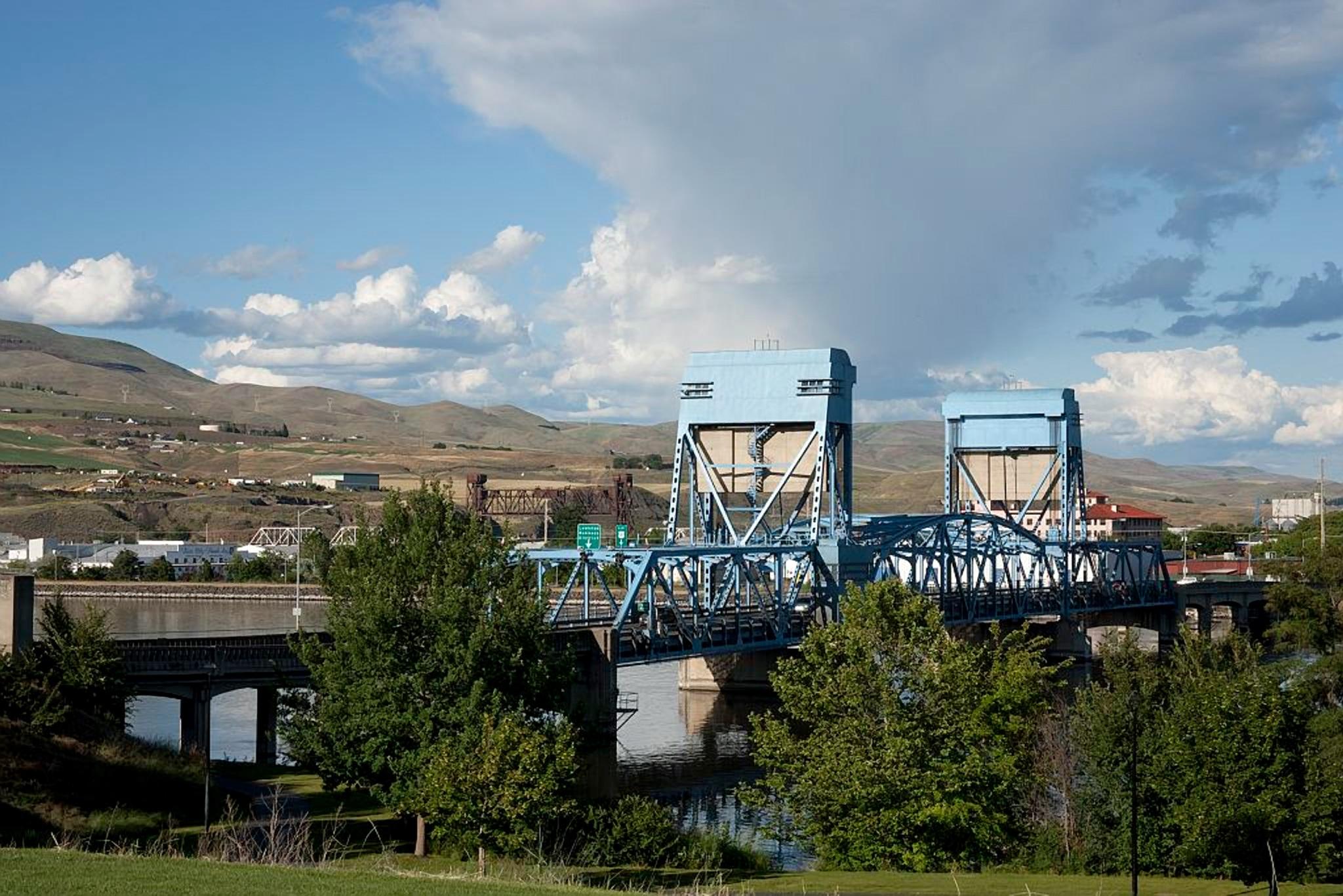 bridge-996340.jpg