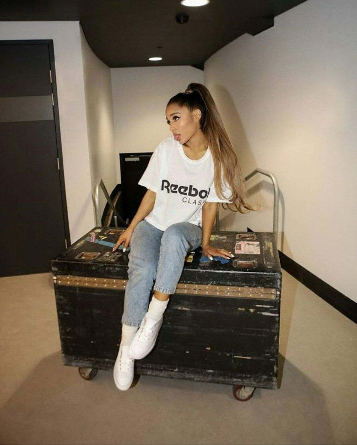 ariana-grande-for-reebok-by-alfredo-flores_109022013.jpg