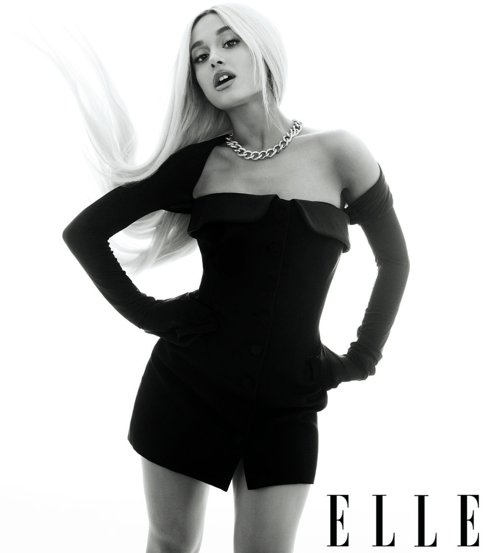 Ariana_Grande_photoshoot_for_ELLE_Magazine_2018_(5).jpg