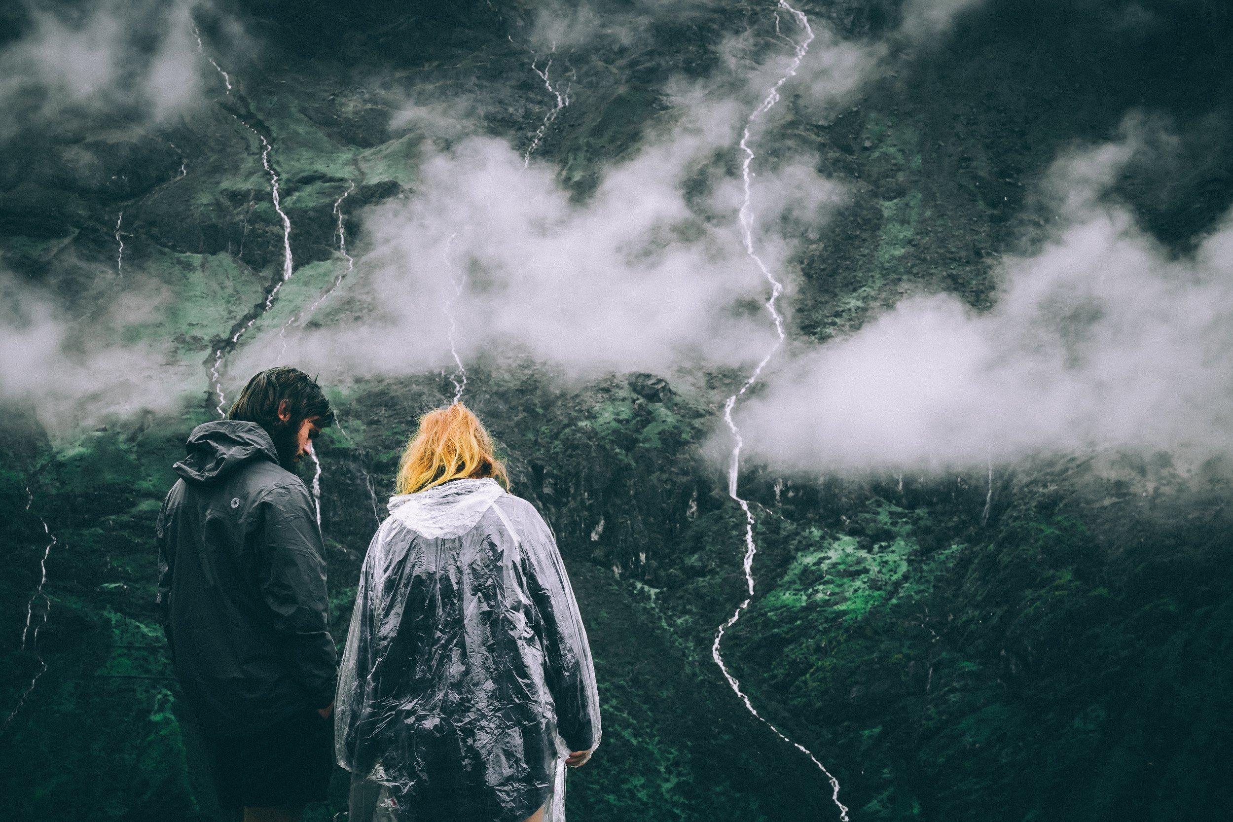 couple-hiking.jpg