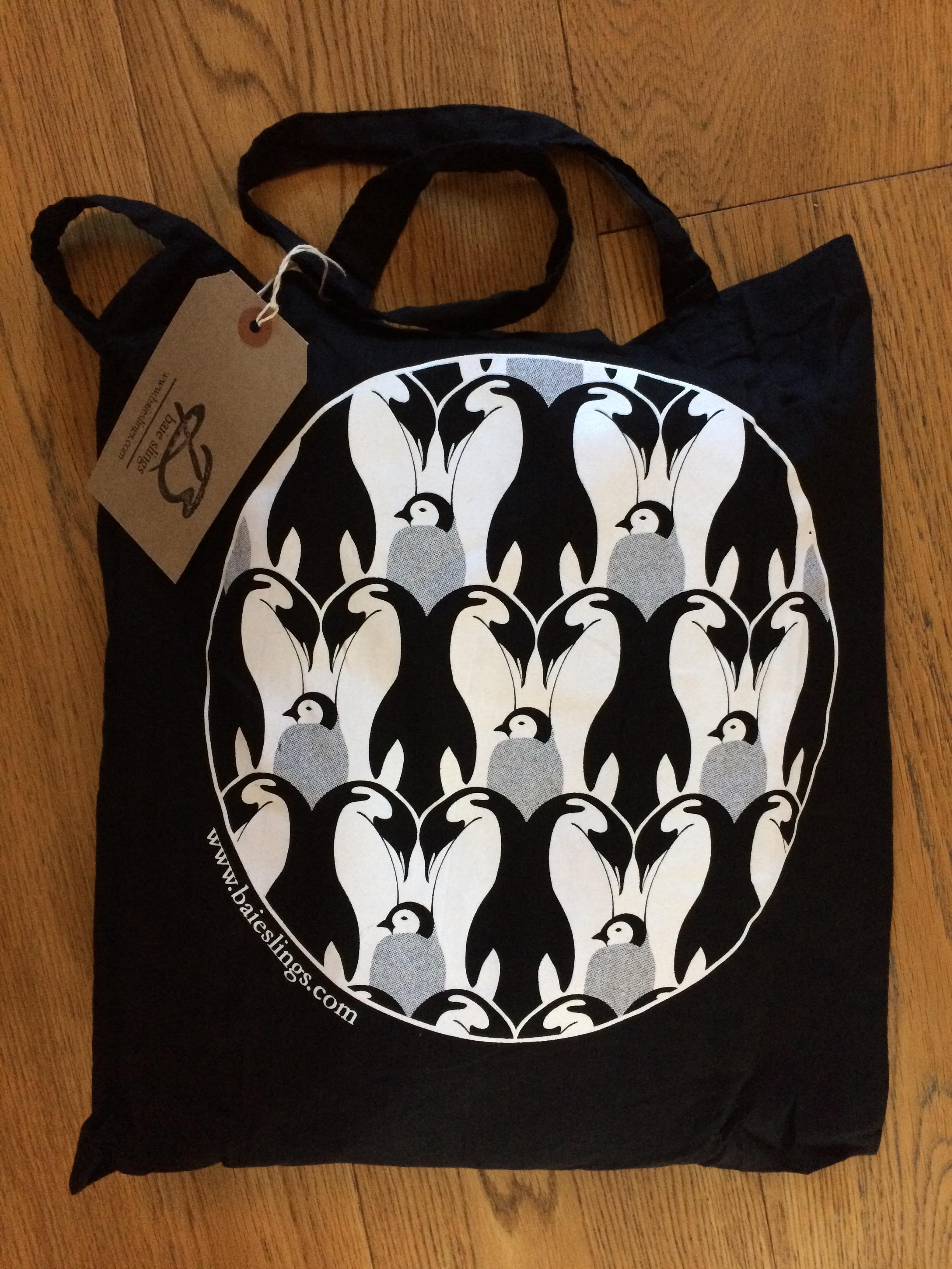 Baie Penguin Tote Bag