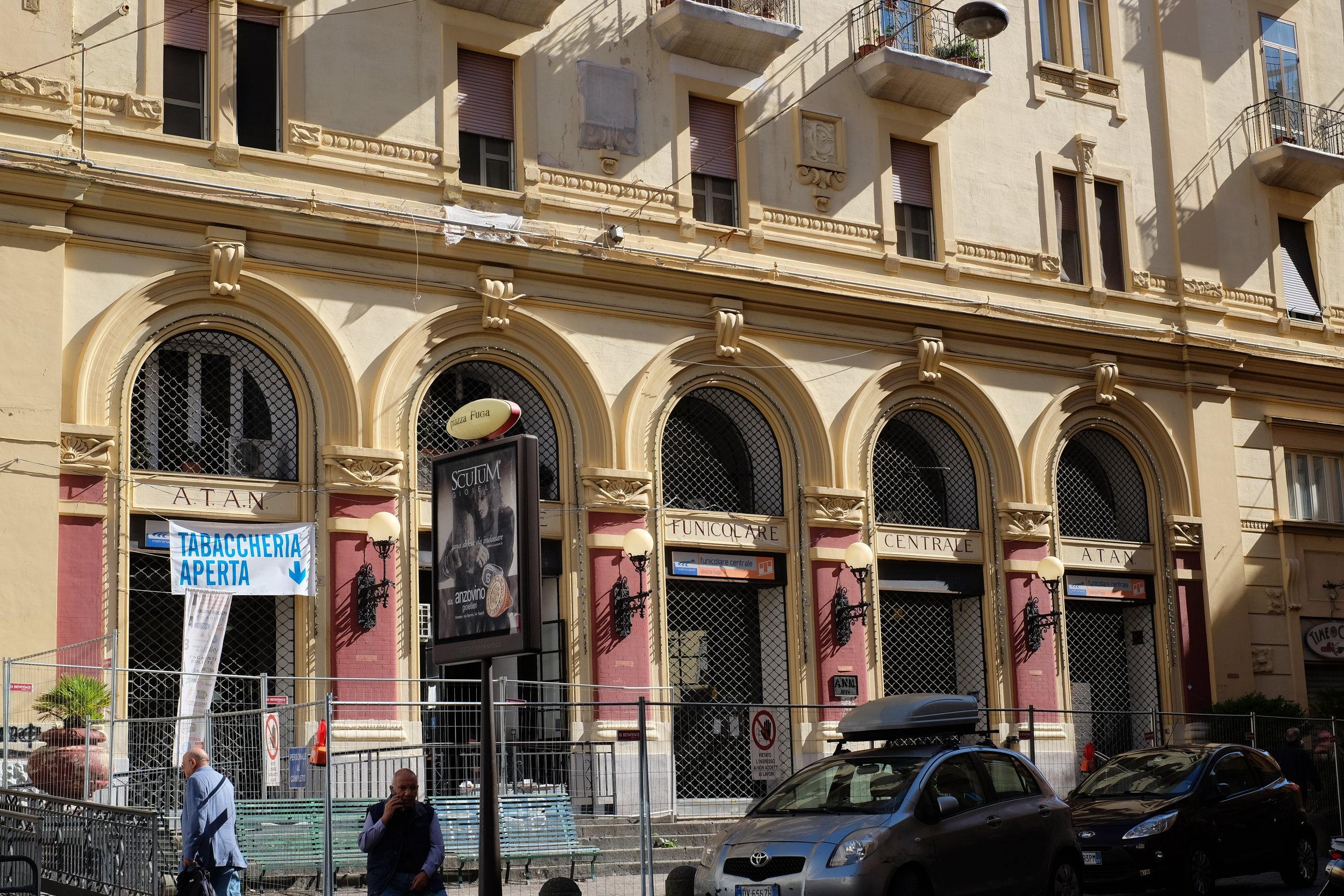 Funicolare centrale at Piazza Fuga. Temporary closed until June 2017.